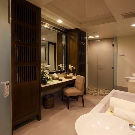 ABH-Luxury-Room-bathroom
